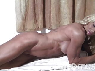 Naked female sport Naked female bodybuilder wants you in her bed