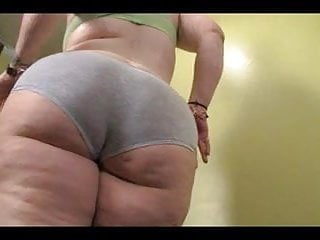 White booty tgp - Bbw oiling up her big white booty