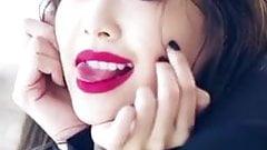 Jennie's Sexy Tongue Play