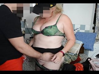 Rowan pelling erotic - La bourgeoise se fait rouler des pelles et suce