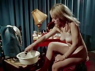 Vintage spread - Vintage pussy shaving and spread ass fucking
