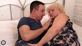 Granny suck and fuck lucky toy boy