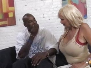 Mother daughter fuck hot guy Hot interracial fuck with mother and not her daughter