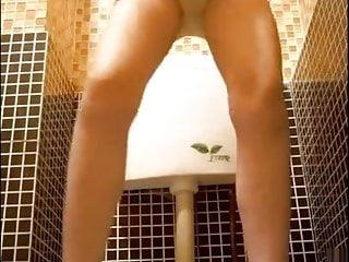 Girls peeing cam Amateur asian hidden pee cam