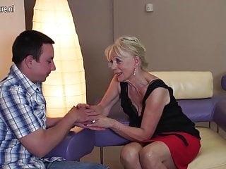 Horny mature mpegs - Horny mature slut mom fucking and sucking her boy