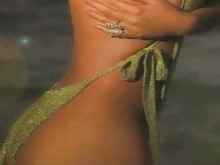 Naked mariah carey - Mariah carey, alicia keys tyra banks uncensored in hd