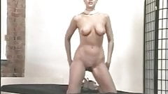 Chick oils up and spreads her gaping cunt