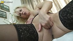 Sexy grandmom loves to play with herself
