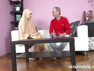 Busty buxom tit Buxom muslim lady knows how tu suck a dick