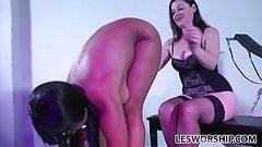 Busty ebony lesbian Jenna Foxx worships her mistress