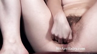 Jessi Green strips naked in study and masturbates