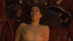 Marie Gillain Nue dans Harem Suare (1999)