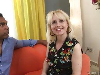 Koko sex Granny koko blond