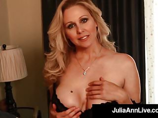 Hot milf julia ann sex video - Our favorite milf julia ann dildo bangs her perfect snatch