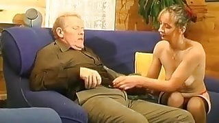 HAIRY MATURE CUNT AND ANAL