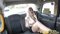 Fake Taxi голодный член блондинки грязное такси в тройничке такси