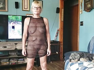 Pictures of long legged balck ladies in sexy outfits - Mature lady teasing in sexy outfit