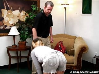 Dad belt spank Girl gets a severe whoopin with a belt
