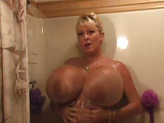 Hot shower penetration Maxis hot shower