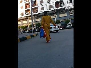 Arabian gral poto sexy Sexy arabian wife shaking her ass