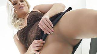 Euro milf Kathy loves the feeling of nylon on her pussy