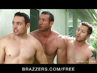 Women fucks boy in pool - Brazzers - russian babe diana doll test fucks new pool boy