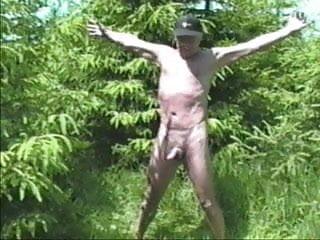 Nackt im wald wichsen