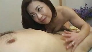 Pretty Japanese Mature's cunt fucked creampied