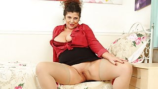 English milf Gilly left her knickers at home today