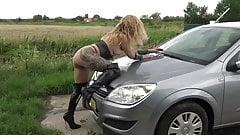 駐車場でのセックス