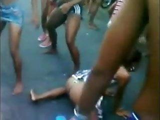 Funk carioca sex - Fluxo da putaria na favela carioca