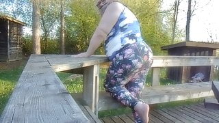 BIG ASS STRIP N  TEASE SPREAD WIDE OPEN SHAKE PAWG  OUTDOORS