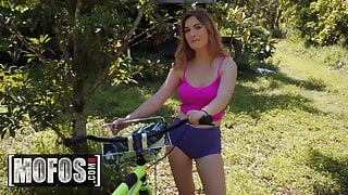 Stranded Teens - Peter Green Kara Lee - Bike Riders Dream