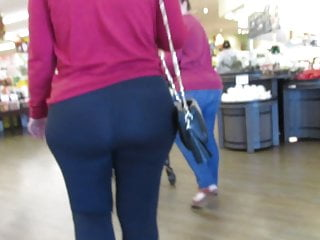 Plump ass video - Milf pawg with plump ass, wide hips and sexy feet in tights