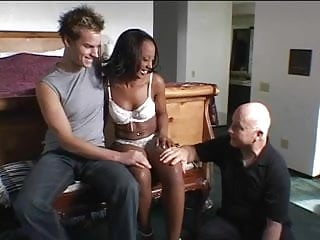Banged up naked Ebony chick banged up her ass