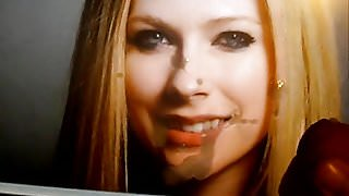 Creaming Avril Lavignes mouth and chin