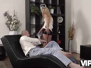 How to fuck an older bbw Vip4k. older dad knows how to behave with beautiful