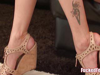 Latina gives amazing footjob Anna bell peaks gives amazing footjob in fucked feet scene
