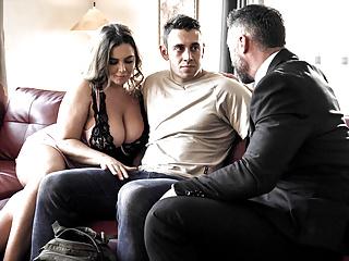 Husband Shares His Huge Boobs Wife Natasha Nice With Student XhoxgT