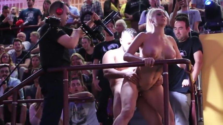 Venus Afrodita Eric Manley Live Sex Show