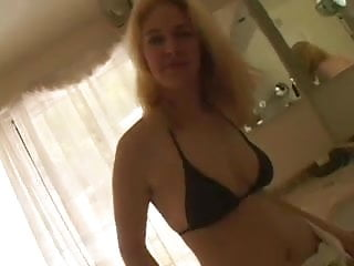 Long long blowjobs Pretty lady loves to give long blowjobs