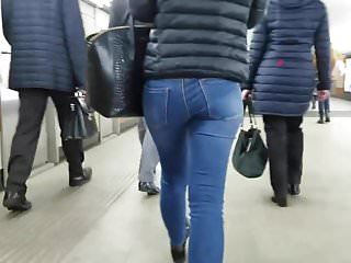 Nice girl ass in jeans Girl with nice ass in tight jeans