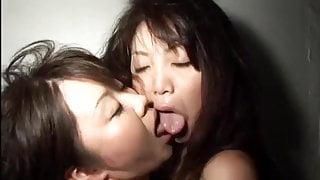 Oral lesbian sex in womancamp by airliner1