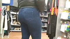 Nice Latina Booty in jeans(Love her reaction)