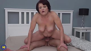Mature mom having sex with lucky step son