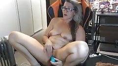 Milf jugando con el coño en la webcam