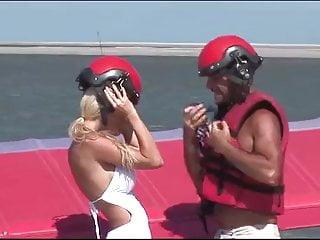Fuck blonde ass - Superb blonde ass fucked on the beach double cum