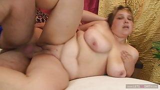 Mutti das erste mal im Porno