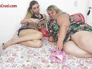 Pussy bizarre Milf bbw and thin girl : bizarre pussy worship