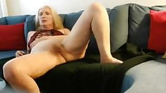 sue palmer shows her wet ready and hairy cunt